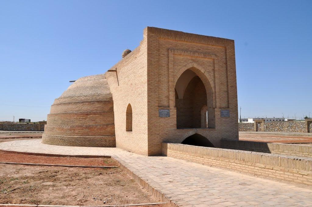 Caravanserai Rabat-Malik