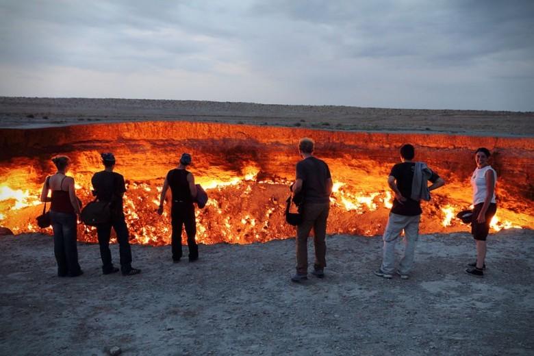 дарваза кратер