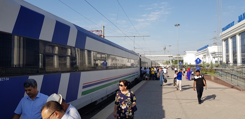 Tashkent - Kokand train, Anur Tour